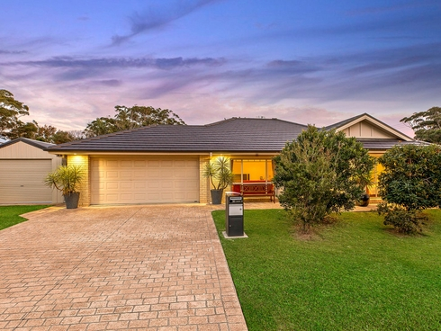 16 Lakin Street Bateau Bay, NSW 2261