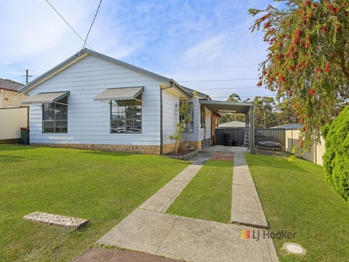 10 Deakin Avenue Lake Munmorah, NSW 2259