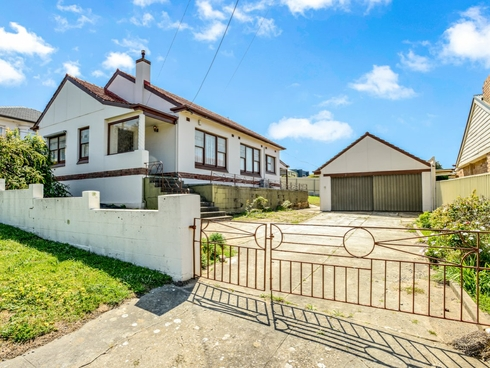 20 Peace Avenue Victor Harbor, SA 5211
