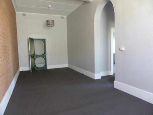 2/255 John Street Singleton, NSW 2330