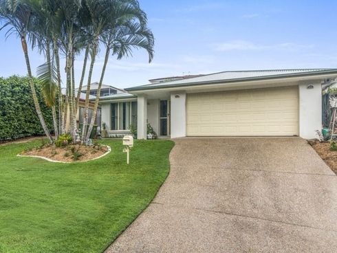 18 Bonner Court Pacific Pines, QLD 4211