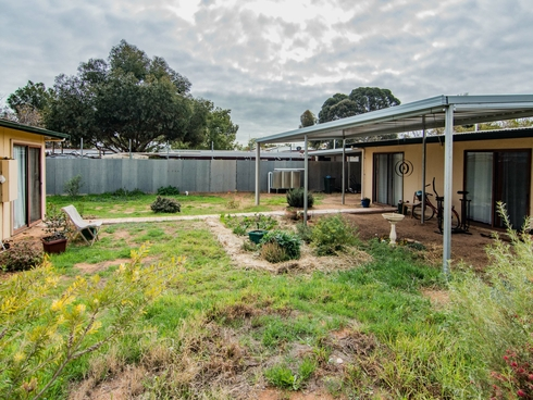 12 Matruh Street Loxton North, SA 5333