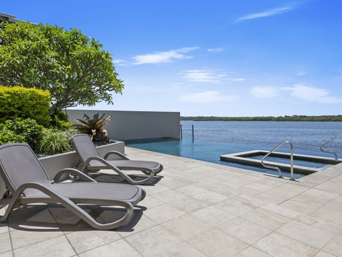 8D/120-122 Duporth Avenue Maroochydore, QLD 4558