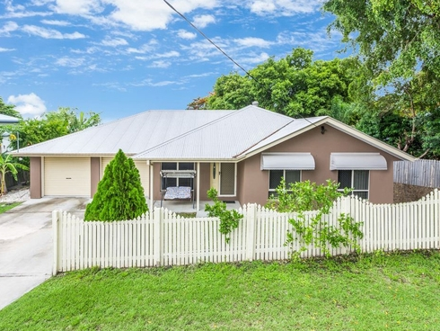 32 Whitehill Road Eastern Heights, QLD 4305