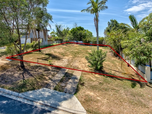 3 Chuter Street Stafford Heights, QLD 4053