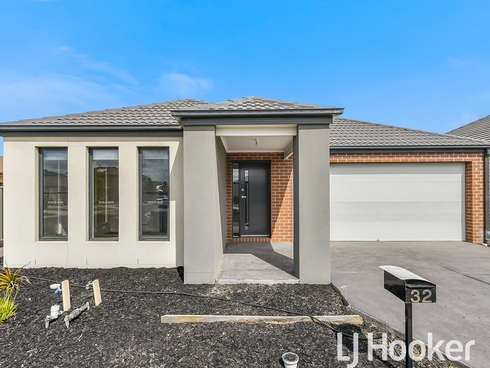 32 Yellow Robin Circuit Cranbourne East, VIC 3977