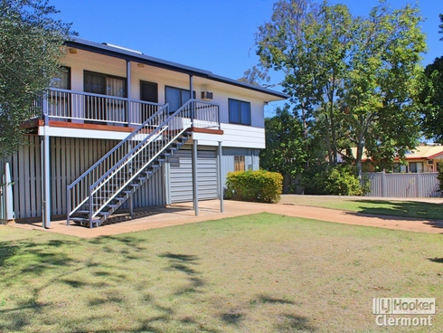 15 Athol Court Clermont, QLD 4721