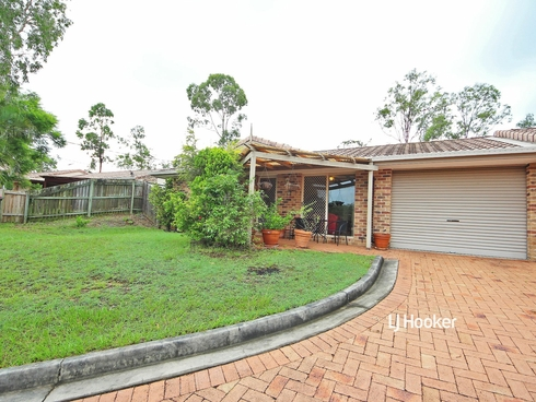 1/6 Cherbourg Court Petrie, QLD 4502