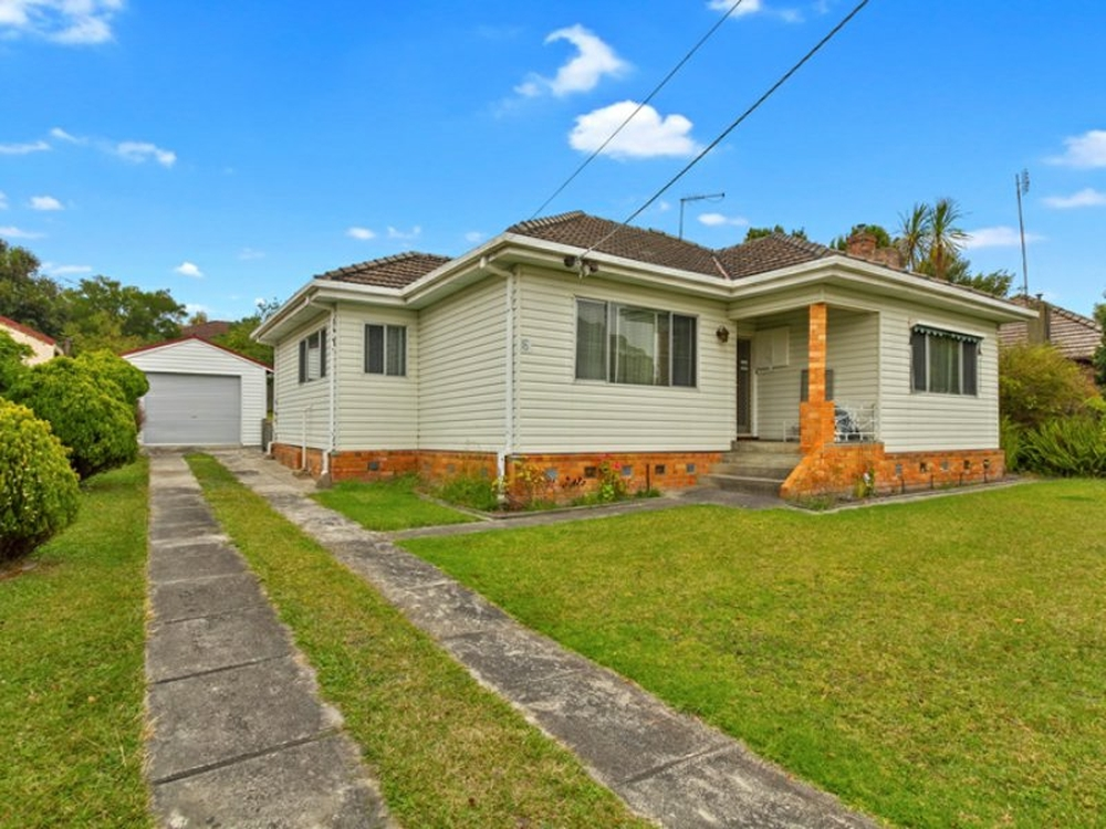 16 Central Avenue Newborough, VIC 3825
