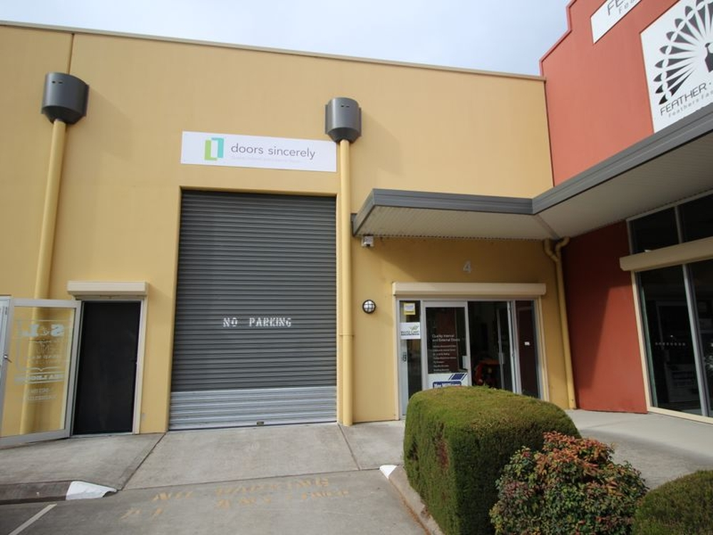 Unit 4 (PART)/11-13 Cochrone Street Kincumber, NSW 2251