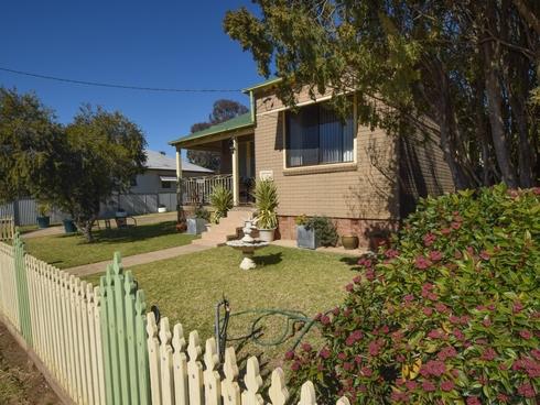 16 Miro Street Young, NSW 2594