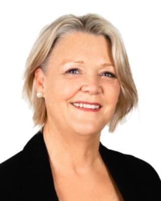 Lynda Lee profile image