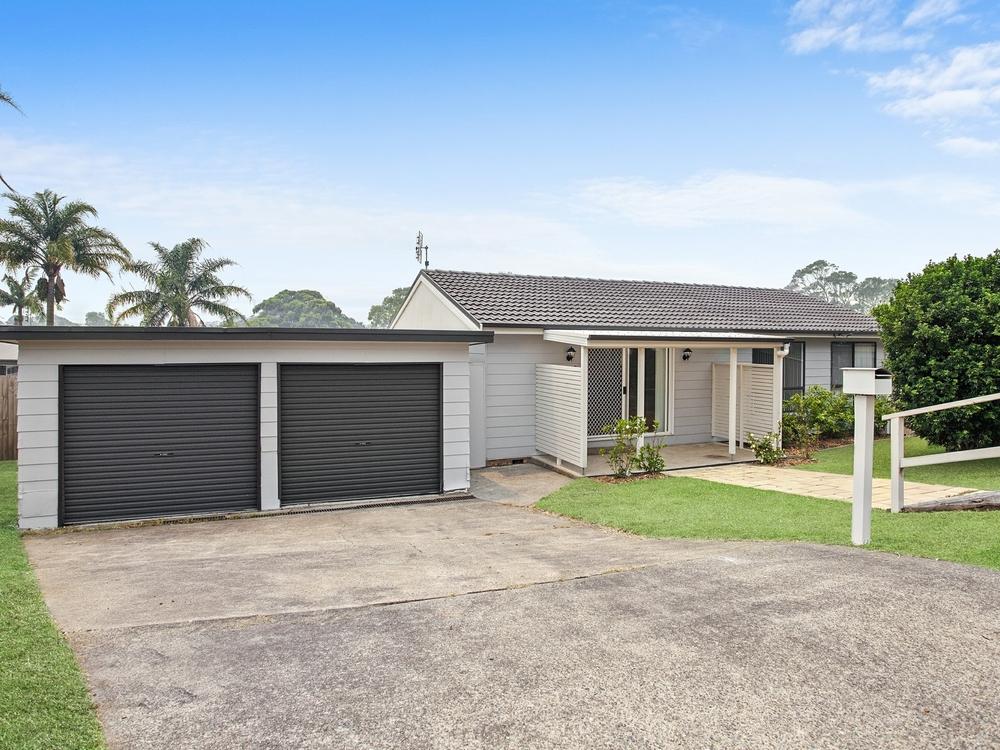9 Woolana Avenue Budgewoi, NSW 2262