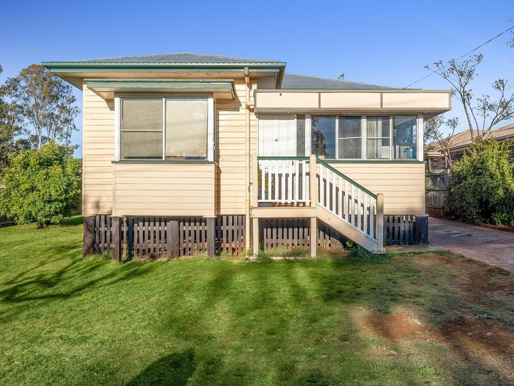 40 Gordon Avenue Newtown, QLD 4350