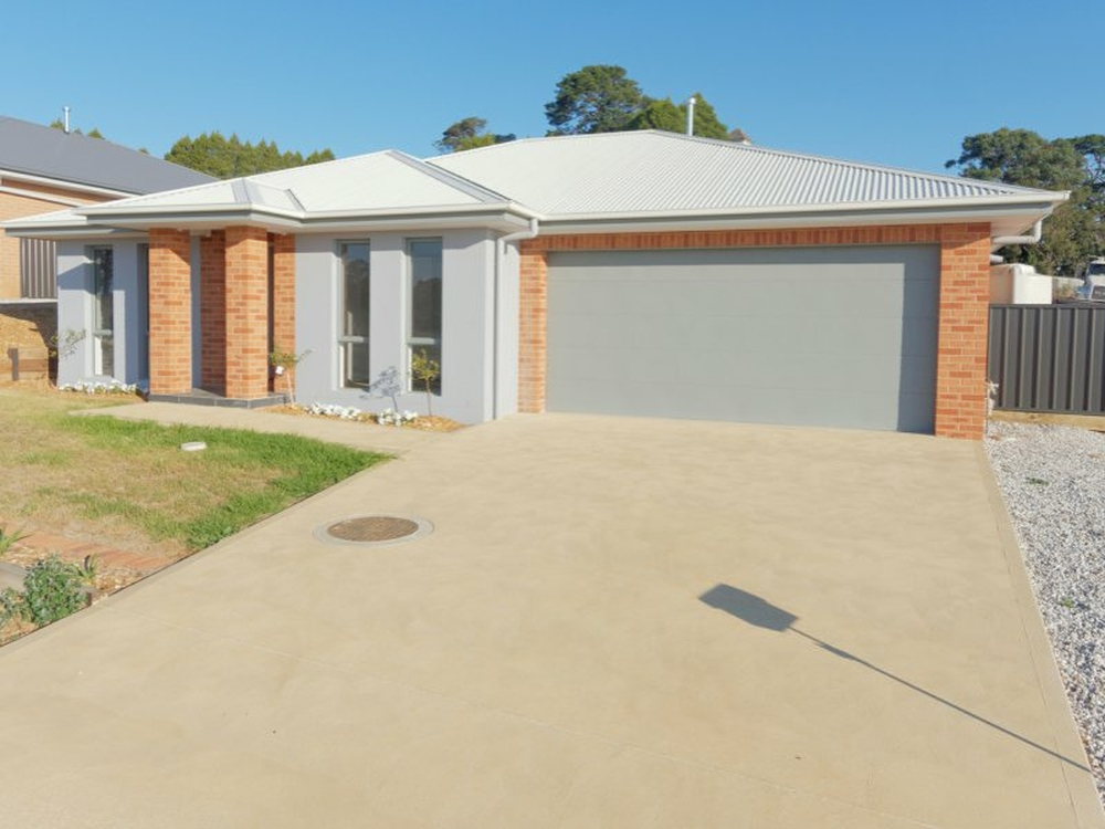 26 McGrath Place Goulburn, NSW 2580