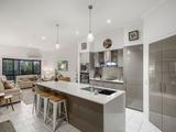 2/1 Sarah Place Ashmore, QLD 4214