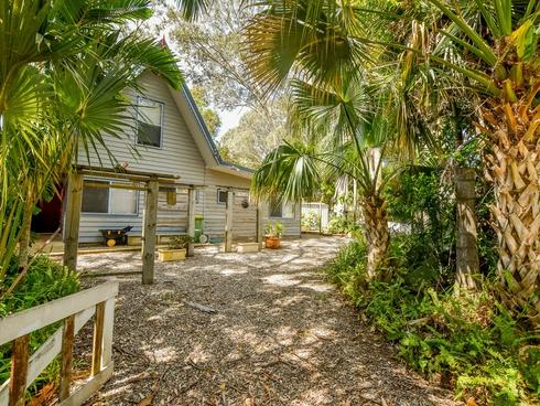 9 Thompson Esplanade Russell Island, QLD 4184