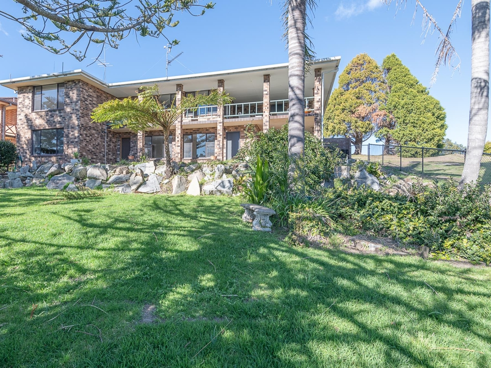 32 Coral Crescent Tuross Head, NSW 2537