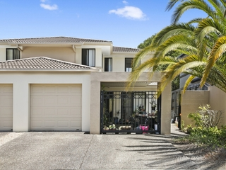 15/2 Tuition Street Upper Coomera , QLD, 4209