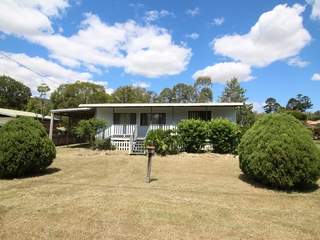 16 Short Street Esk , QLD, 4312