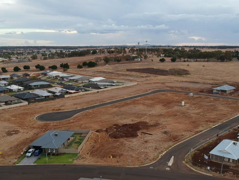 1 Rosewood View Estate Dubbo, NSW 2830