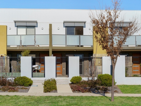 22/1 Gifford Street Coombs, ACT 2611