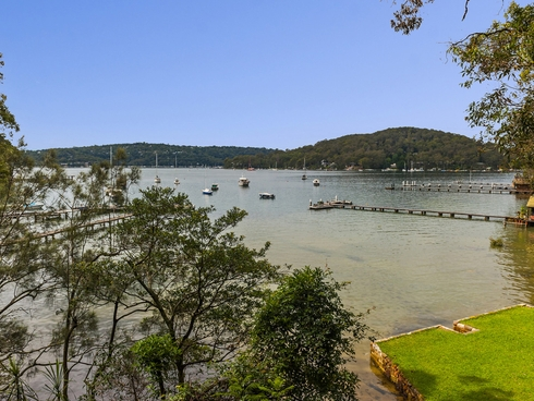 14 The Chase Lovett Bay, NSW 2105